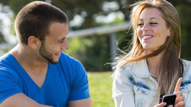 modne kvinder søger yngre mænd par søger kvinde