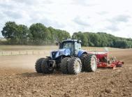 De blå traktorer fra New Holland skal fra 1. februar forhandles af Kragmann A/S, der bliver ansvarlig for hele Fyn.