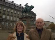 Ole Berg Thomsen og Marianne Fribo foran Christiansborg 6-11-14