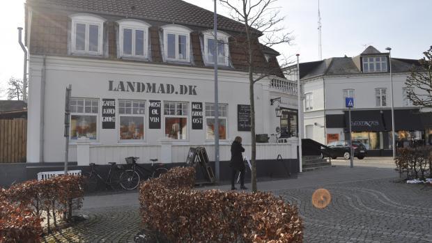 Landmad, Louise Dolmer. Lars Asmussen