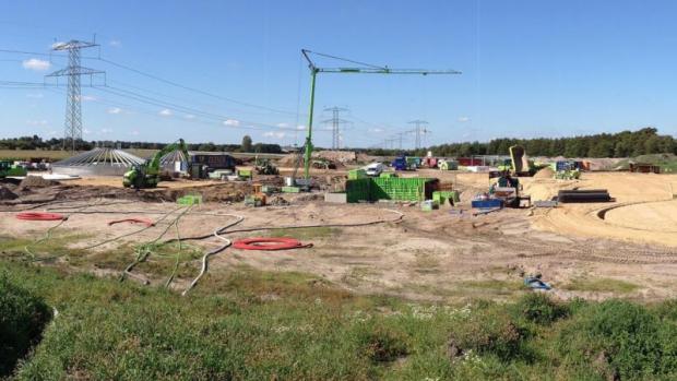 Biogasanlægget i Holsted er under opførelse.